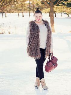 Plus size outfit Faux fur vest - Junarose Jeans -H&M+