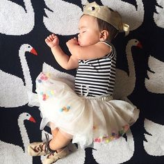 """Sleepy Swan Princess ❤️ @tinykaper #spearmintLOVE #swanblanket"""