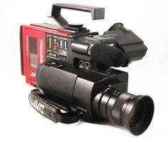 JVC VideoMovie GR-C1. La primera cámara que usa cintas VHS-C, y la misma que usó Marty McFly en Volver al Futuro