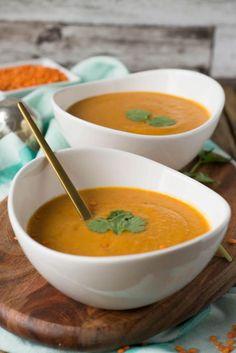 Super lecker und einfach zuzubereiten - Rote Linsen Suppe mit Paprika, Kokosmilch und roten Linsen