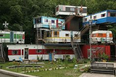 """gusset: """" It's like a trailer park tree house. or a trailer park mansion… """" Glamping, Trailer Park, Food Trailer, Casas Containers, Apartment Complexes, Vintage Trailers, Vintage Campers, Vintage Caravans, Camping Ideas"""