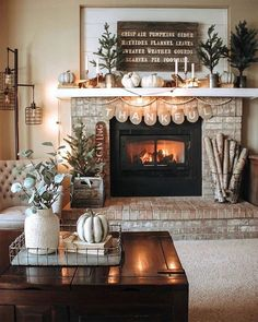 47 Stylish Thanksgiving Decoration Ideas That are Easy to DIY - Page 37 of 48 - Fashion Fall Home Decor, Autumn Home, Fall Mantle Decor, Rustic Fireplace Decor, Wood Mantle, Fireplace Mantel, Passion Deco, Home Interior, Seasonal Decor