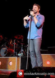 I love when he wears BLUE......HOT!