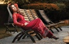 http://www.pakistanfashionmagazine.com/dress/pakistani-dresses/taana-baana-new-winter-ear-line-frocks-collection-2013-for-women.html