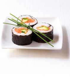 Recepty: Maki s uzeným lososem a avokádem Thing 1, Sushi, Ethnic Recipes, Sushi Rolls