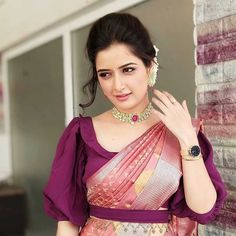 New year brings us new fashion trends & styles to anticipate, including new blouse designs! Here are the latest blouse designs for 2020 you should check out! Simple Blouse Designs, Silk Saree Blouse Designs, Stylish Blouse Design, Bridal Blouse Designs, Saree Jacket Designs Latest, Indian Blouse Designs, Saree Blouse Patterns, Indian Style, Indian Wear