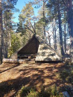 Karipolun laavu, Lohtaja Fireplace Set, Backyard Fireplace, Outdoor Hammock Bed, Bbq Shed, Workshop Shed, Longhunter, Fire Pit Area, Bushcraft Camping, Farm Stay