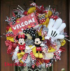 DISNEY WELCOME Wreath with Mickey and Minnie by decoglitz on Etsy