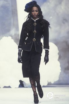 Find out more on Europeana Couture Chanel, Chanel Runway, Chanel Fashion, Couture Fashion, Runway Fashion, Karl Otto, Chanel Style Jacket, Coco Chanel, 80s And 90s Fashion