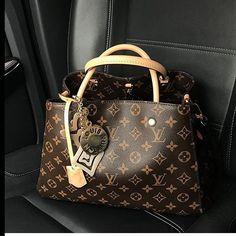 Lv Handbags Louis Vuitton Styling Tips – Famous Last Words Louis Vuitton Totes, Louis Vuitton Handbags, Louis Vuitton Speedy Bag, Louis Vuitton Monogram, Burberry Handbags, Chanel Handbags, Designer Handbags, Designer Bags, Fashion Bags