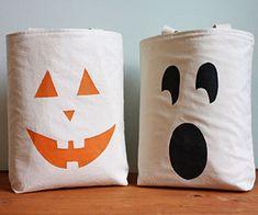 Jack-o-lantern treat bags