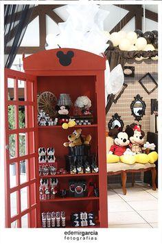 Vintage Mickey and Minnie Mouse Party via Kara's Party Ideas | Kara'sPartyIdeas.com #vintage #mickey #and #minnie #mouse #party (42)