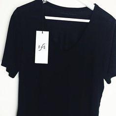Thanx to @herzueberkopf_ for this cool pic of our v-neck womens lyocell shirt  we hope you like it! #funktionschnitt #vneck #lyocell #tshirt #blackshirt #womensshirt #love #allblack