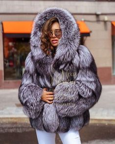 Fur Cape, Cape Coat, Chinchilla, Fur Fashion, Womens Fashion, Fox Fur Coat, Mantel, Parka, Hoods