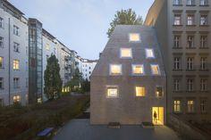 Gallery of Apartment House Prenzlauer Berg / Barkow Leibinger - 3