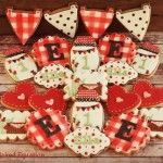 Lady Bug Custom Cookies by The Baked Equation  #ladybug #red #black