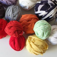 This video shows you the easy way to turn old t-shirts into t-shirt yarn suitable for rug making and crochet projects.