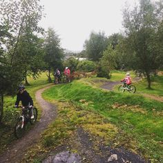 RG morfabayadventure: Mountain Biking with St Martins CofE Primary School http://instagr.am/p/8dxe3poCBc