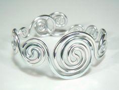 Bracelet vagues spirale par melissawoods sur Etsy