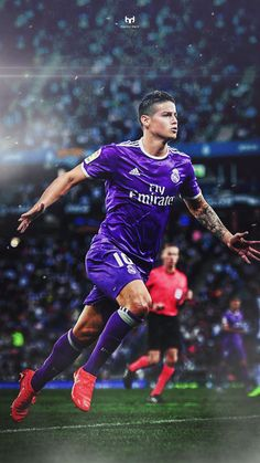 James Rodriguez, Columbian international and Real Madrid soccer star. Carlos Valderrama, Real Madrid Soccer, Real Madrid Players, Barcelona Soccer, Fc Barcelona, James Rodriguez Wallpapers, Everton, James Rodrigez, Real Madrid Manchester United