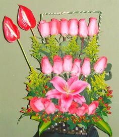 Arreglo de rosas, lilium y anturios
