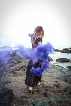 a-colourful-smoke-bomb-photo-shoot-by-ginger-blonde-photography-on-whim-online-magazine-4