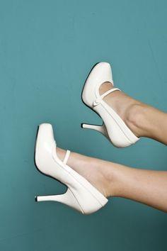 Pinup Couture 40s Cutiepie Mary Jane White platform patent pumps