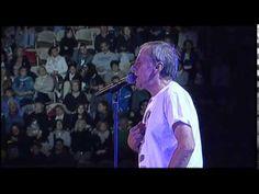 Roberto Vecchioni - Luci a San Siro - Standing ovation @ Festival Show - Arena di Verona - YouTube