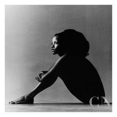 Melba Moore, seated in a nude pose, July 1971 by Jack Robinson. The photo, which appeared in the October 1971 issue of Vogue, was taken as Melba Moore was touring the country after appearing on Broadway in Hair and Purlie. Vintage Photography, Boudoir Photography, Digital Photography, Amazing Photography, Photography Tips, Photography Backdrops, Glamour Photography, Photography Lighting, Fashion Photography