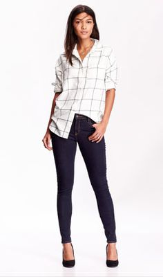 windowpane shirt, dainty necklace, dark skinnys, black pumps or wedges. Super easy casual!