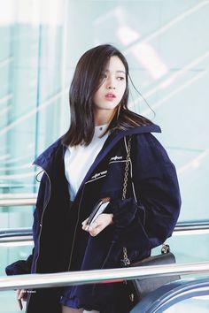 Kpop Girl Groups, Korean Girl Groups, Kpop Girls, These Girls, Cute Girls, Korean Princess, Kpop Outfits, Korean Celebrities, Airport Style
