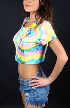 """Top crop Tie dye """"Sunburst"""" hype, urban style, 100% cotone made in Italy"""