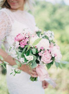 Best Spring Wedding Bouquets