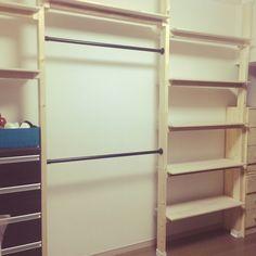 IKEA/収納/ディアウォール/クローゼット/手作り/ハンドメイド…などのインテリア実例 - 2015-10-05 01:42:27 | RoomClip(ルームクリップ) Laundry Room Storage, Storage Spaces, Diy Table, Closet Organization, Diy Woodworking, Interior Styling, Shelving, Design, Home Decor