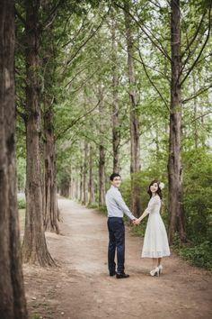 [셀프웨딩촬영] 노을공원 셀프웨딩 스냅 Wedding Mood Board, Post Wedding, Wedding Album, Wedding Engagement, Engagement Photos, Pre Wedding Poses, Pre Wedding Photoshoot, Korean Couple Photoshoot, Korean Wedding
