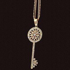 Damen Retro Vintage Kristall (Swarovski Elements) Schlüssel Anhänger Halskette - Pullover Kette, vergoldet Fashion Jewellry http://www.amazon.de/dp/B01CPUMONS/ref=cm_sw_r_pi_dp_pLZ3wb09W5XV4