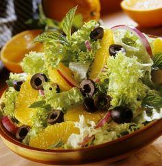 Салат «Афины» из апельсинов, листьев салата и маслин - Салаты из овощей - Рецепты - Вкусные рецепты на каждый день