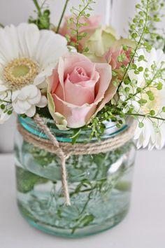 Lovely : little arrangement by Vibeke Design Flowers In Jars, Happy Flowers, My Flower, Fresh Flowers, Beautiful Flowers, Simple Flowers, White Wedding Flowers, White Flowers, Wedding White