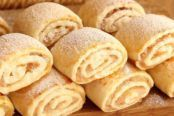 Snack Recipes, Cooking Recipes, Kefir, Hot Dog Buns, Bakery, Food And Drink, Chips, Apple, Bread