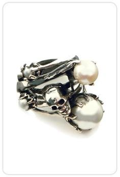 Skull and Pearl Stacked Ring Goth Jewelry, Skull Jewelry, Jewelry Box, Jewelry Accessories, Fashion Jewelry, Skull Bracelet, Jewlery, Skull Wedding Ring, Wedding Rings