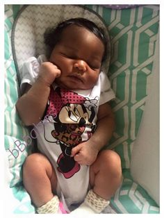 {✨°pinterest:@keriaah°✨} Cute Mixed Babies, Cute Black Babies, Black Baby Girls, Beautiful Black Babies, Cute Little Baby, Pretty Baby, Cute Baby Girl, Beautiful Children, Baby Girl Newborn