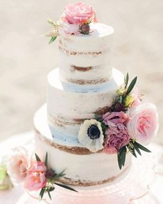 Obsessed with this gorgeous naked cake created by @cakebyannie!!! So perfect for a boho beach wedding! Photo by: @christinewphotography    #Regram via @apdesignco
