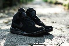 Nike Hoodland Suede: Black