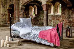 Egal, wo man ist: in einem gemütlichen Bett fühlt man sich einfach rundum wohl. #oriental #mandala