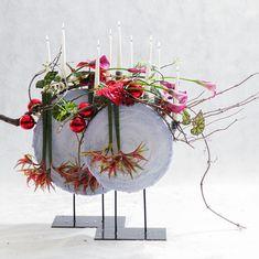 """Школа флористики SLAVA ROSCA on Instagram: """"Мы вернулись! Официально начали работу в 2021г. Друзья, наша команда хорошо отдохнула и с новыми силами приступила к любимой работе.🤗 Ваш…"""" Christmas Home, Floral Wreath, Wreaths, Shapes, Instagram, Home Decor, Floral Crown, Decoration Home, Door Wreaths"""