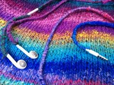 yarn bomb your phone cord! earbud detangler/cozy to keep it warm, stylish, and not tangled from #paintcutpaste