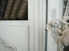 Перекраска, перекраска старой мебели, новая жизнь старых вещей, старая мебель
