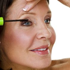Eye Makeup Tips for Older Women - How to Apply Mascara