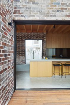 Those Architects transforms Sydney bungalow into spacious home - Architecture Brick Facade, Facade House, House Cladding, Residential Architecture, Interior Architecture, Australian Architecture, Brick Architecture, Recycled Brick, House Extensions