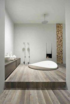 meuble de salle de bain, baignoire design et cheminée